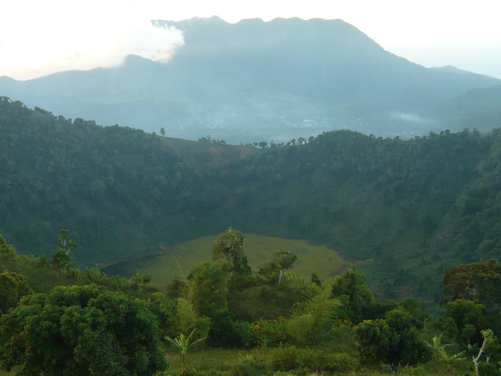 Vue de Koni Djodjo et Tsembehou (c) https://oimdu.blogspot.fr